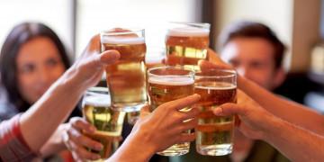 Làm sao để không bị bệnh gan khi bia rượu nhiều?